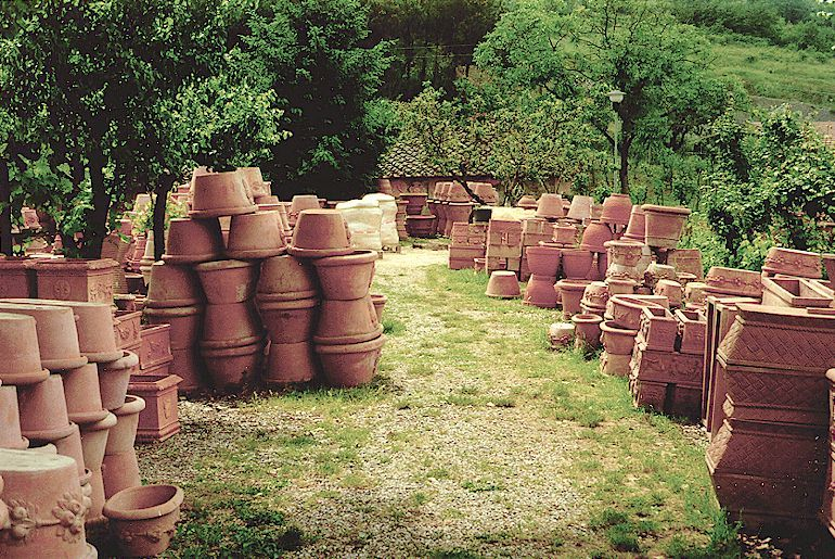 Impruneta Terracotta Pottery, Pots, Oil Jars. Retail And